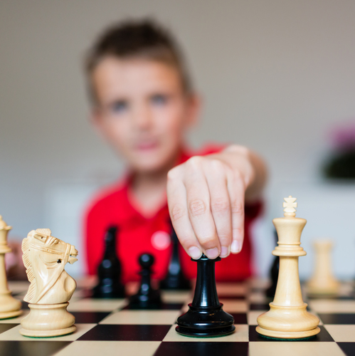 Adouber en échecs