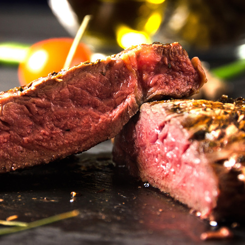 Un steak bleu (cuisson).