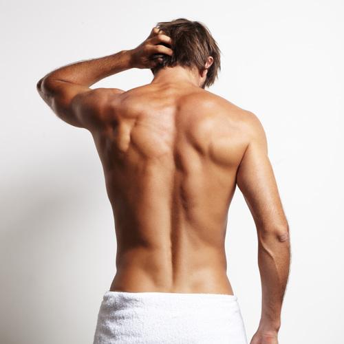 Le dos d'un homme