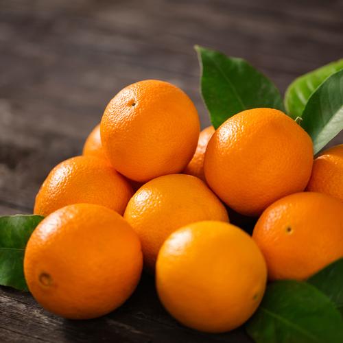 Orange, un fruit et des vitamines