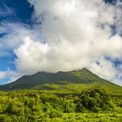 Volcan kitticien et névicien